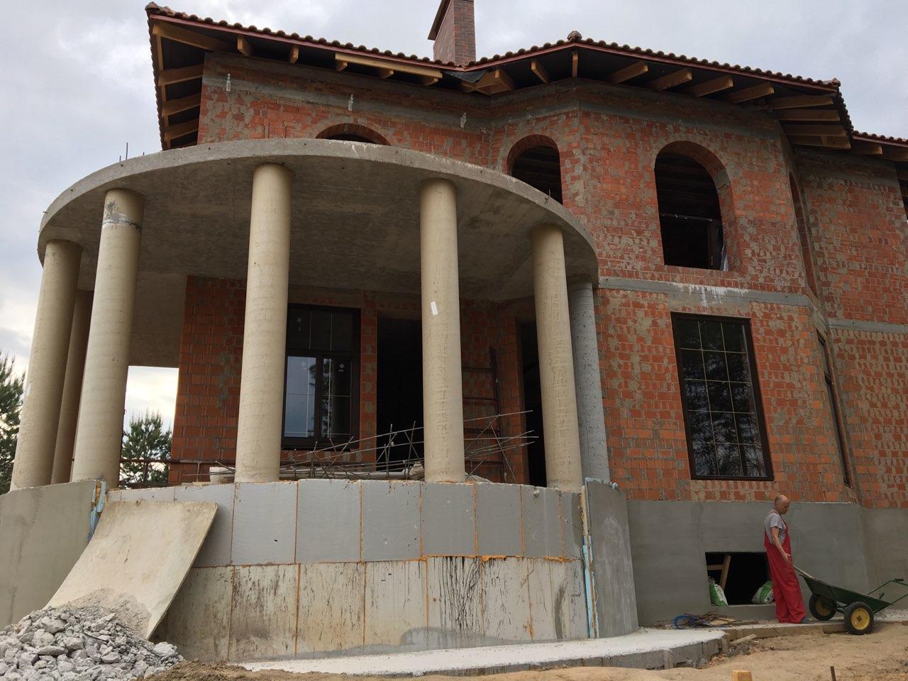 проект двухэтажного дома лепнина