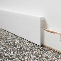 Плінтуси на підлогу